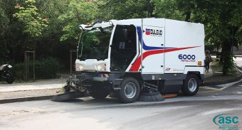 The Cleaning Efficiency and Ergonomics of Street Sweeper