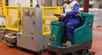 Tips & Tricks for Maintaining Industrial Floor Scrubber Machine