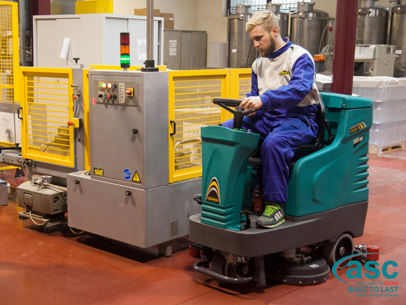 Industrial Floor Scrubber Machine