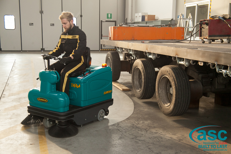 ASC Eureka M2 sweeper with man 5