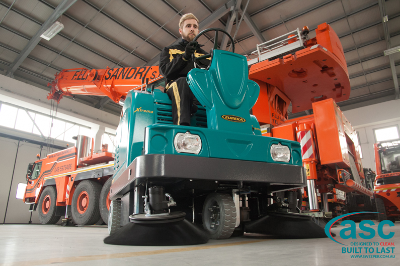 ASC Eureka M5 Sweeper with man 1