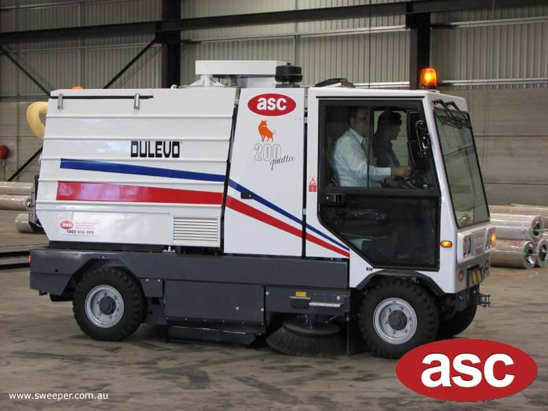 ASC Dulevo 200 sweeper with man 5