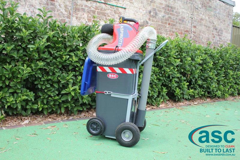 ASC BIN VAC 250 Push Sweeper4