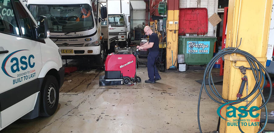Man Using ASC Factory Cat Scrubber 2